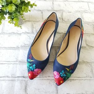Nine West Embroidered Chambray Flats Size 8 1/2
